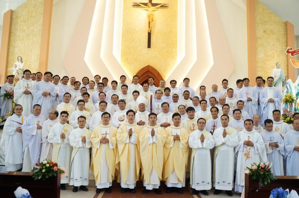 Thánh Lễ Phong chức Phó Tế và Linh Mục Tỉnh Dòng Ngôi Lời Việt Nam